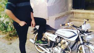 TIRa çarpan kasksız motosikletli yaşamını yitirdi