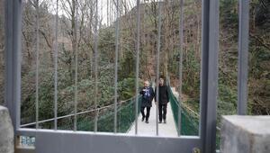 Anahtarı olmayan, bu köprüden geçemiyor