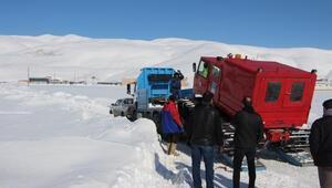 Buzun kırılmasıyla baraja gömülen araç 14 saat sonra çıkarıldı