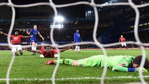 Manchester United, Chelseayi 2 golle yıktı