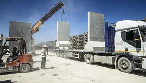 Beton bariyerlerle yeni güvenlik hattı