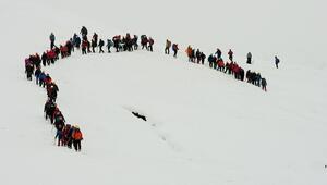 Muşta zorlu kış şartlarında dağcılık eğitimi