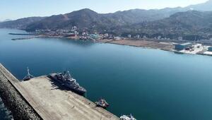 Trabzonda deniz üssü kurulacak alana ilk askeri gemi demirledi