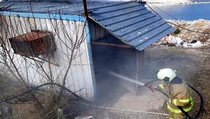 Soyunma odası olarak kullanılan konteyner yandı