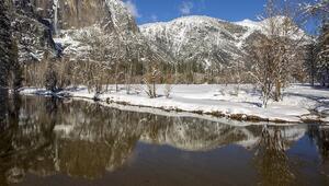 Yosemite Vadisinden harika kış manzaraları