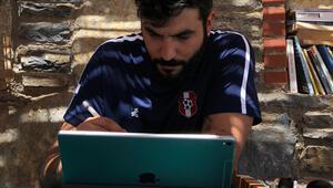 Ünlü illüstratör iPad Pro ile çizimlerini konuşturuyor