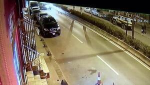 Bayrampaşada caddeyi savaş alanına çeviren kaza kamerada