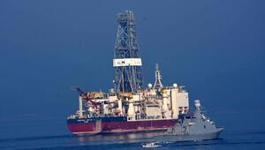 Derin sondaj gemisi DEEPSEA METRO-1 Çanakkale Boğazından geçti