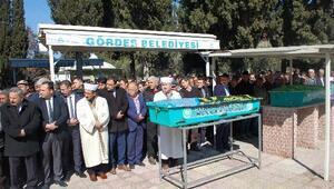 Ahırda ölü bulunan imam ve eşi toprağa verildi