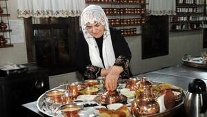 Dernekleşen köy kadınları bin kişiye istihdam sağladı