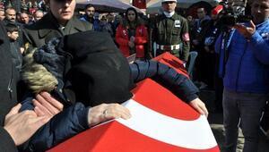 Şehit Uzman Çavuş Mehmet Hanı son yolculuğuna 5 bin kişi uğurladı