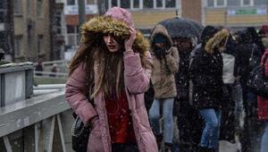 Son dakika... İstanbulda kar yağışı devam ediyor... Sıcaklık sıfır derece