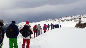 Doğaseverler, İkizderede kar yürüyüşünde buluştu