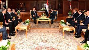 Salih ile Sisi görüşmesinde bayrak krizi tartışması