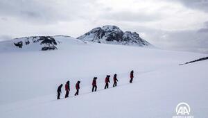 Antarktikada geçici bilim üssü