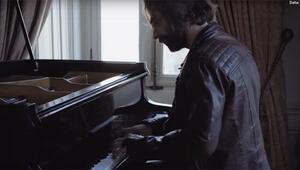 İlker Kaleli'den piyano performansı