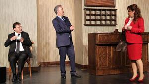 Tamer Karadağlı, 10 yıl sonra tiyatroya dönüyor
