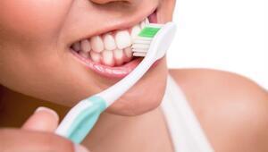 Diş Fırçalarken Kaçınılması Gereken 10 Hata