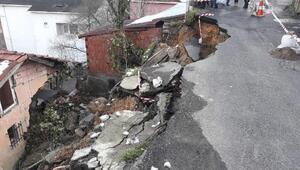 Beykozda toprak kayması; bir evde hasar oluştu
