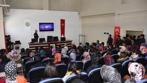 Hilvanda Sosyal Medya Bağımlılığı konferansı