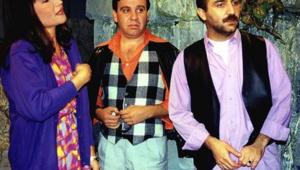 Bir Demet Tiyatro'da Zabıta İrfan'ı canlandıran oyuncu kimdir