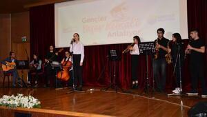 Gençler Yaşar Kemali anlattı