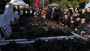 Necmettin Erbakan ölümünün 8inci yıl dönümünde mezarı başında anıldı