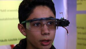Lise öğrencisinden işitme engelliler için akıllı gözlük