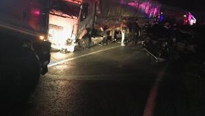 TIR ile özel harekat polislerini taşıyan minibüsle çarpıştı: 5 polis yaralı