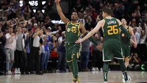 Utah Jazz, lider Milwaukee Bucksı devirdi