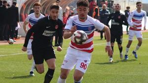 Ümraniyespor, Karabüksporu 3 golle geçti