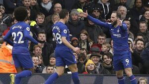 Chelsea, Craven Cottagedan 3 puanla döndü