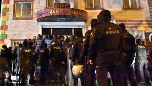 Diyarbakırda HDP binasında terör operasyonu: 5 gözaltı
