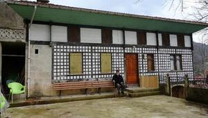 Kültür varlığı tescilli evini onarınca ceza aldı