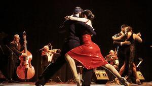 Tangonun altın çağının sesiyiz