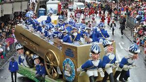 Almanyada '5. Mevsim' karnaval geçidi