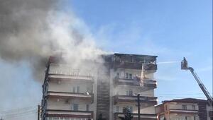 Yalovadaki yangında 2 daire kullanılamaz hale geldi