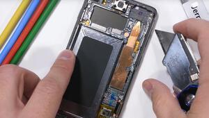 Samsung Galaxy S10 parçalarına ayrıldı İçinden bakın neler çıktı