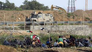 İsrail askerlerinin yaraladığı Filistinli çocuk şehit oldu
