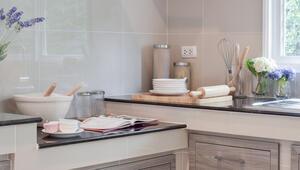 Mutfağınızı temizlerken kullanabileceğiniz 6 doğal malzeme