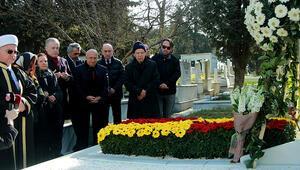 Çetin Emeç mezarı başında anıldı