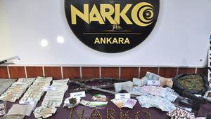 Ankarada uyuşturucu operasyonunda FETÖ CDsi ve 1 dolar ele geçirildi