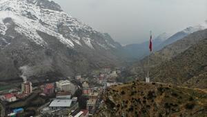 Uludereye dev Türk bayrağı