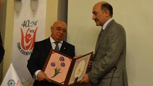Türk Edebiyat Vakfı Başkanı Kabaklı: Azerbaycan edebiyatının Yunus Emresi Nesimidir