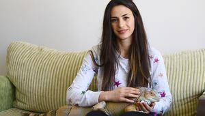 Ankaradaki evinde dev iguanayla birlikte yaşıyor