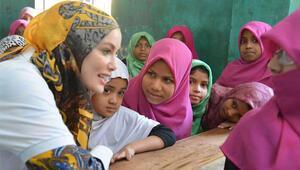 Gamze Özçelik Arakanlı Müslümanları ziyaret etti