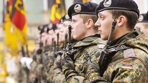 Alman ordusunda 'aşırı sağ' krizi