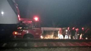 Denizlide şoke eden olay Otomobilini trenin önünde bırakıp kaçtı...