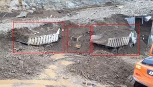 Heyelanın yuttuğu iş makineleri toprak altından çıkarılıyor