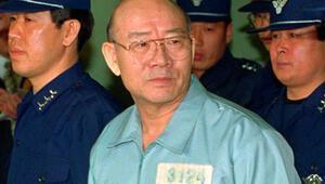 Güney Korede eski Devlet Başkanı Chun hakim karşısında